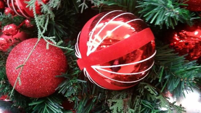 Early Christmas Lights Help Depression, Psychologist Says