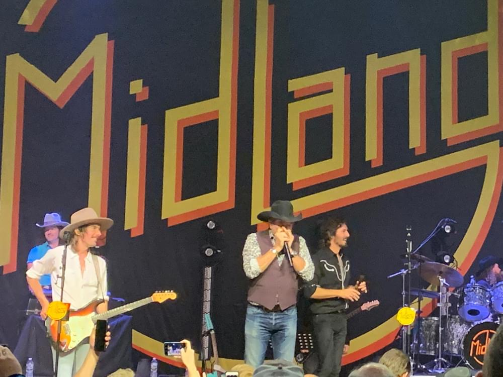 """Watch Midland Bring Brooks & Dunn Onstage to Perform """"Boot Scootin' Boogie"""" at the Ryman"""