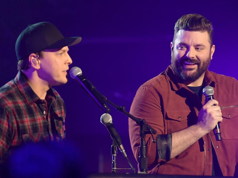 """Watch Chris Young & Gavin DeGraw Team Up for """"I Don't Want to Be"""" at Upcoming """"CMT Crossroads"""""""