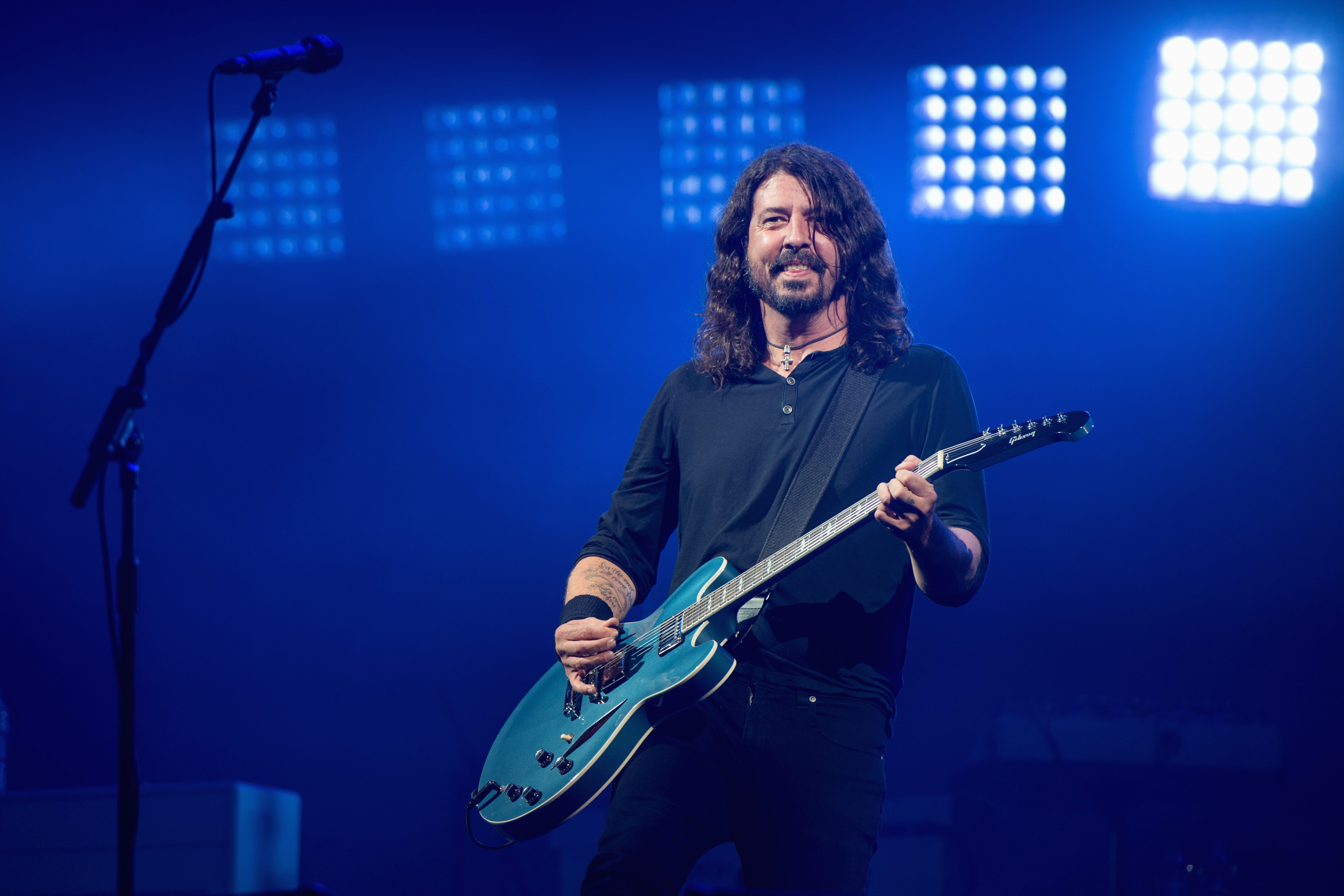 Watch Dave Grohl Tag Team the Monologue With Jimmy Fallon On 'The Tonight Show' [VIDEO]