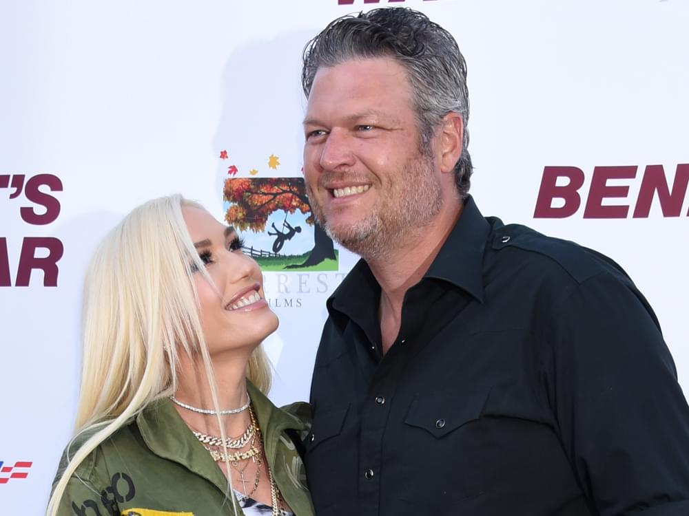 """Blake Shelton & Gwen Stefani Top Billboard Country Airplay Chart for 2nd Consecutive Week With """"Nobody But You"""""""