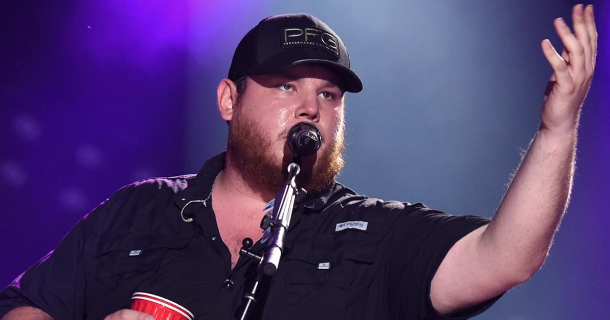 """Luke Combs' """"Lovin' On You"""" Is No. 1 on the Billboard Country Airplay Chart for 4th Straight Week"""