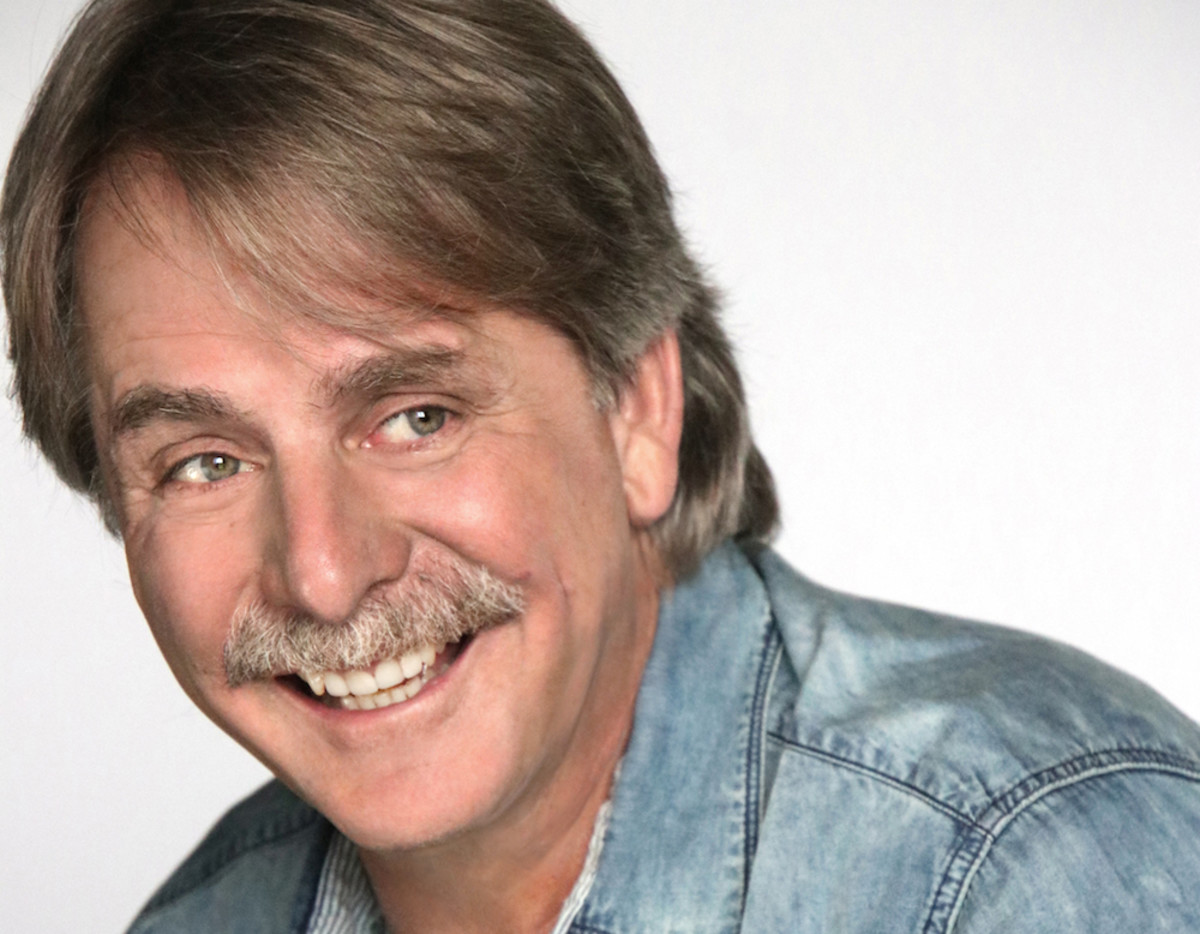 Mike Hsu Talks To Jeff Foxworthy About His Upcoming Tour
