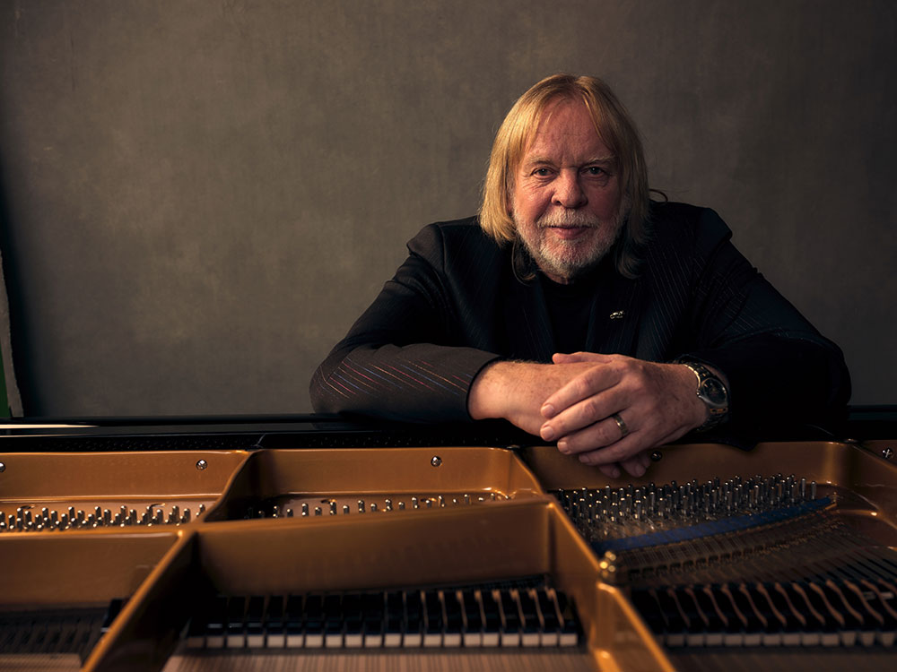 Mike Hsu talks To Rick Wakeman From Yes About His Even Grumpier Old Rockstar Tour