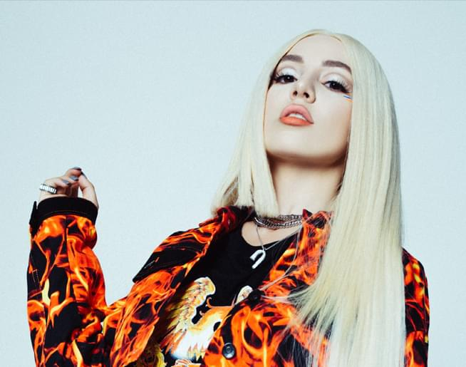 Kyra from the 104-5 XLO Morning Show chats with Ava Max