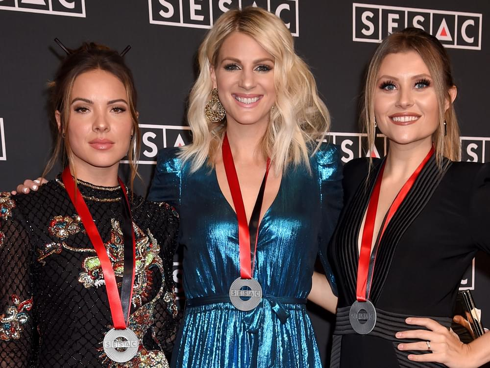 Play It Forward: Runaway June's Jennifer Wayne Says Lucie Silvas' Music Is Insane [Listen]