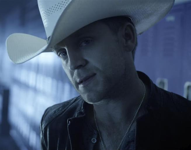 """The Song Remembers When: Justin Moore – """"Lettin' The Night Roll"""""""