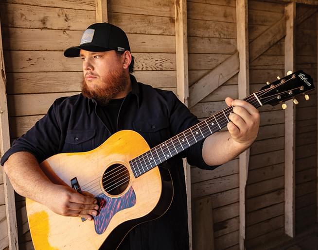LukeCombs_JimWright__guitarbarn_654