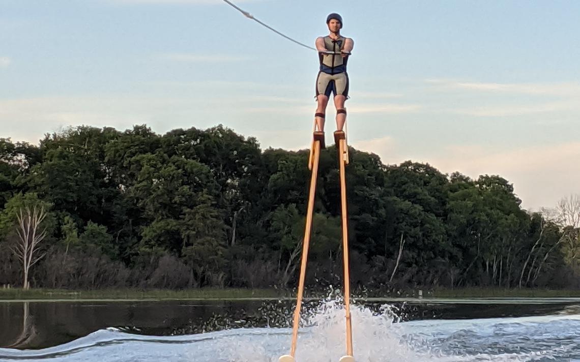 Man Breaks Record While Skiing on Stilts