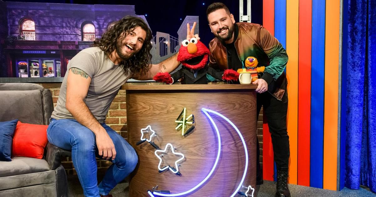 """Watch Dan + Shay's Sweet Rendition of """"I Don't Want to Live on the Moon"""" on """"The Not-Too-Late Show With Elmo"""""""