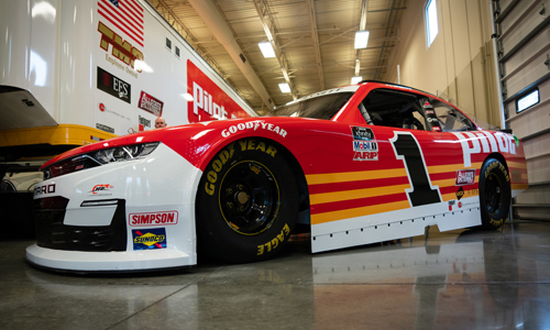 Eric Harley talks to Jeff Miles – Driver/Hauler for Pilot Flying J racing team about Truck Driver Appreciation Month