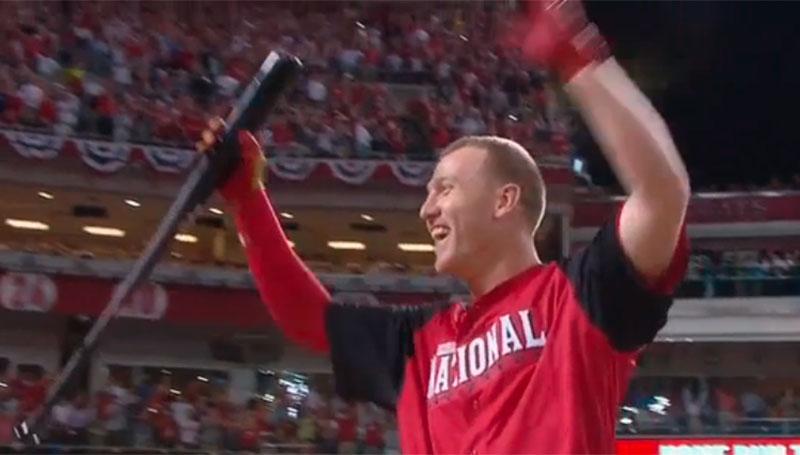 Frazier thrills hometown fans, wins 2015 HR Derby