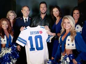 "Luke Bryan Kicks Off ""The Red Kettle"" Campaign!"