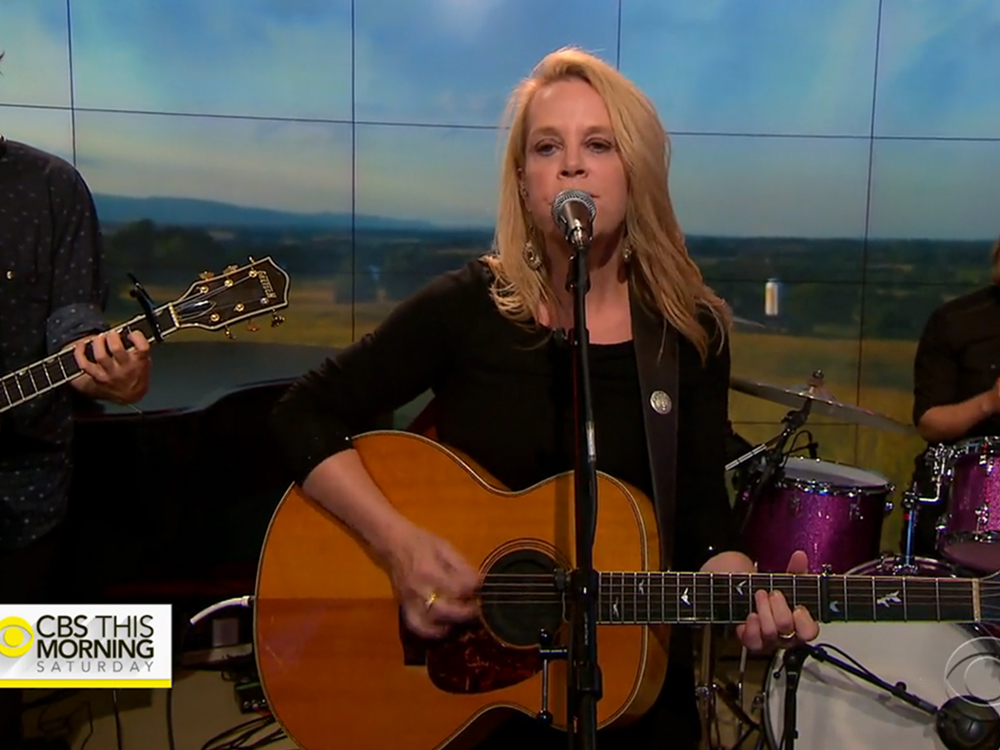 "Mary Chapin Carpenter Gets Tamed . . . and Wild on ""CBS This Morning"""