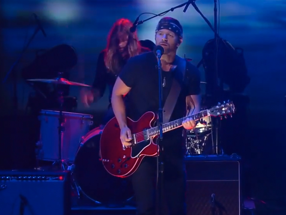 """Watch Kip Moore's Rowdy Performance of """"Wild Ones"""" From """"The Late Show"""""""