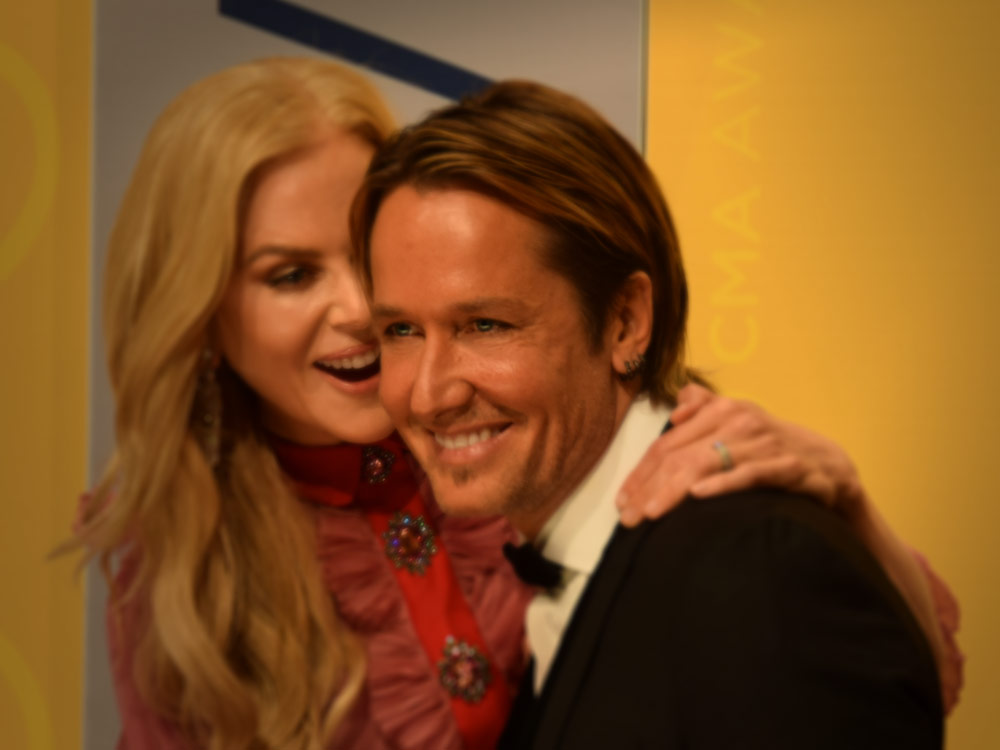 """What Is Keith Urban Getting for Christmas? According to Wife Nicole Kidman, Just """"A Kiss"""" [Watch]"""