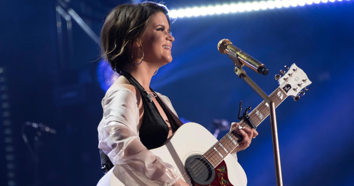 Maren Morris Pays It Forward at the CMAs