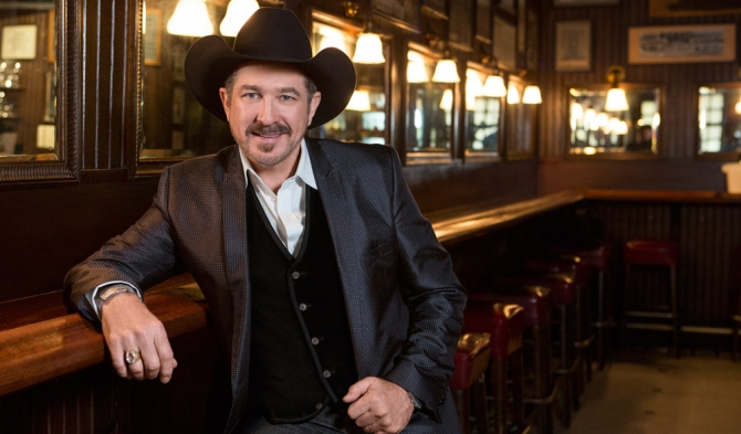 Kix Brooks Stakes Out Top Steakhouses on New Cooking Channel Series