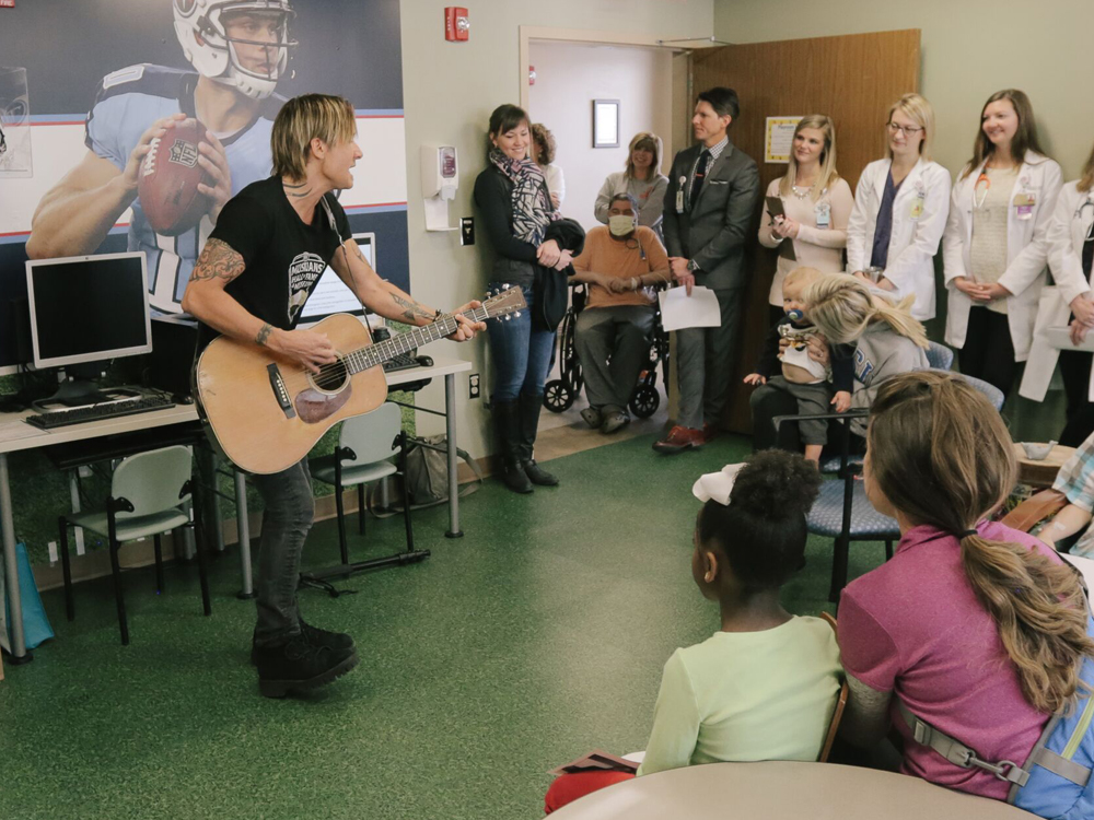 Keith Urban Kicks Off 10th Anniversary of Musicians on Call With Surprise Performance