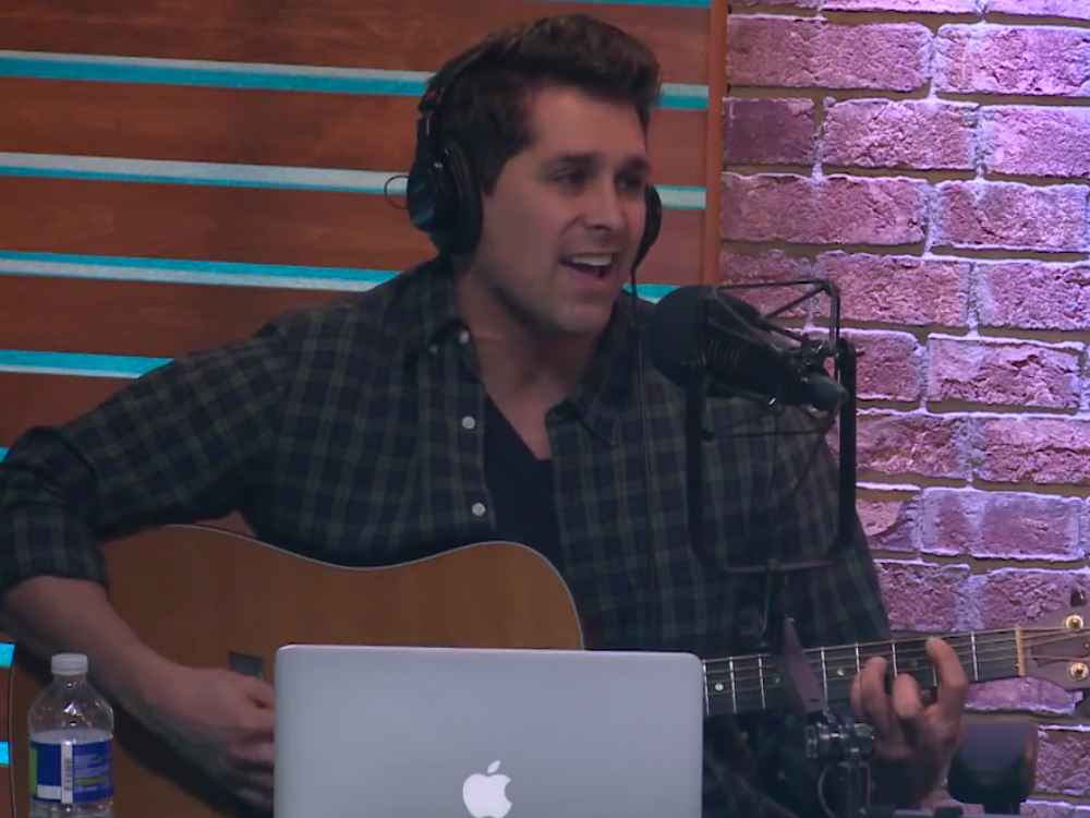 Watch Singer/Songwriter Steve Dorian's Tasty 10-Minute Tune About Girl Scout Cookies