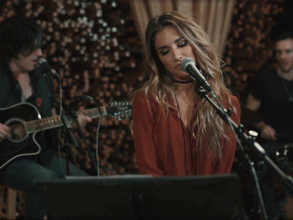 "Exclusive: Watch Jessie James Decker's Sultry Cover of Shania Twain's ""You're Still the One"" Just in Time For Valentine's Day"