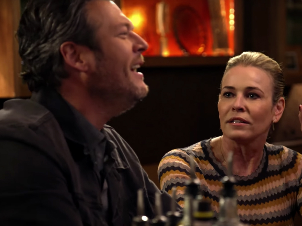 "Watch Blake Shelton Sing ""Livin' on a Prayer"" With Chelsea Handler in New Trailer for Upcoming Season of ""Carpool Karaoke"""