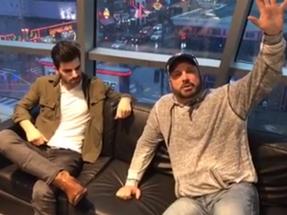 """Garth Brooks Surprises """"Ask Me How I Know"""" Songwriter, Mitch Rossell"""