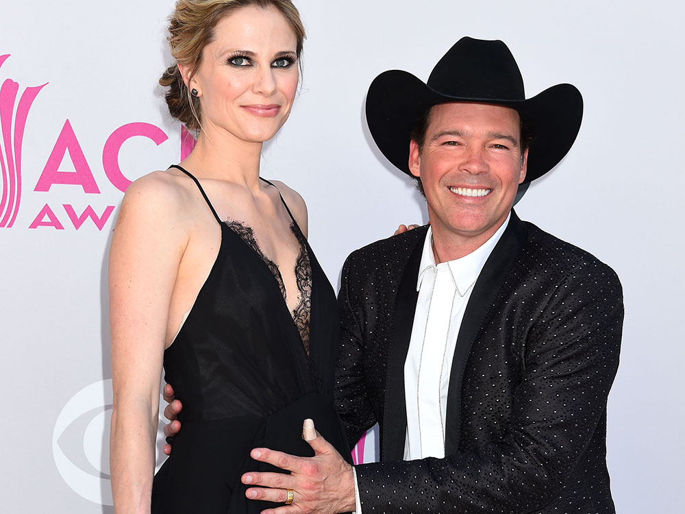 Clay Walker and Wife Jessica Expecting Baby No. 4