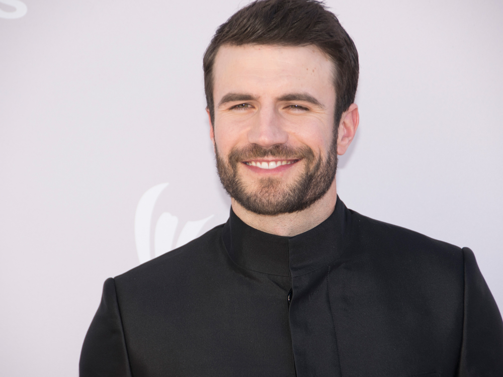 "Sam Hunt's Musical Experiment Is Off to a Sound Start as ""Body Like a Back Road"" Hits No. 1"