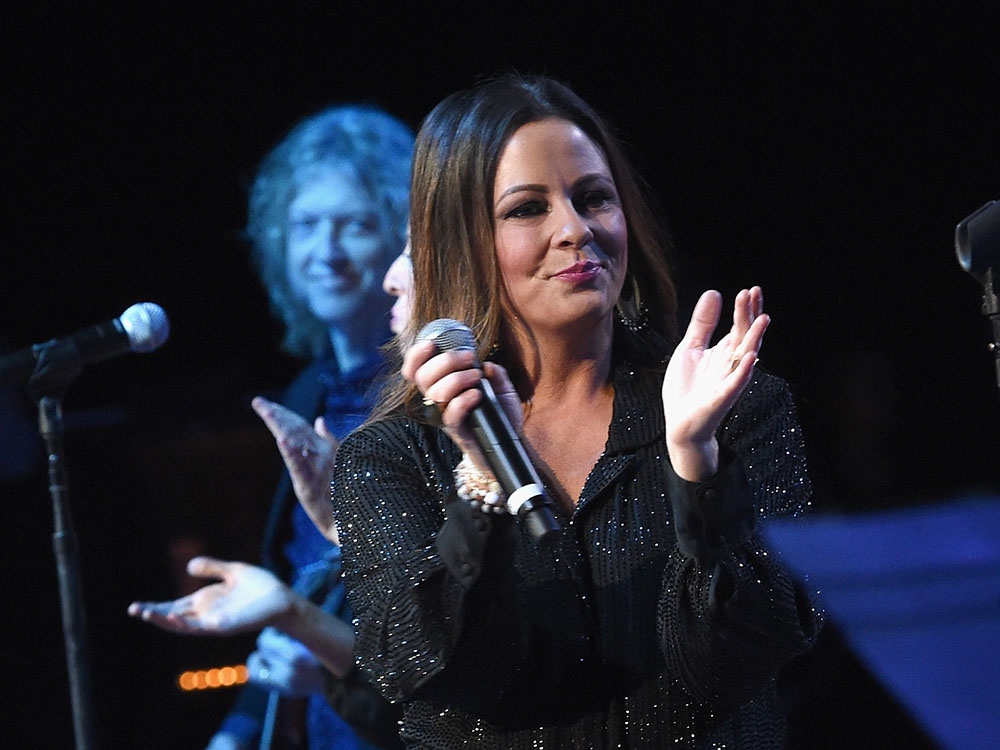 Sara Evans Headlines George Michael Tribute To Benefit Unlikely Heroes