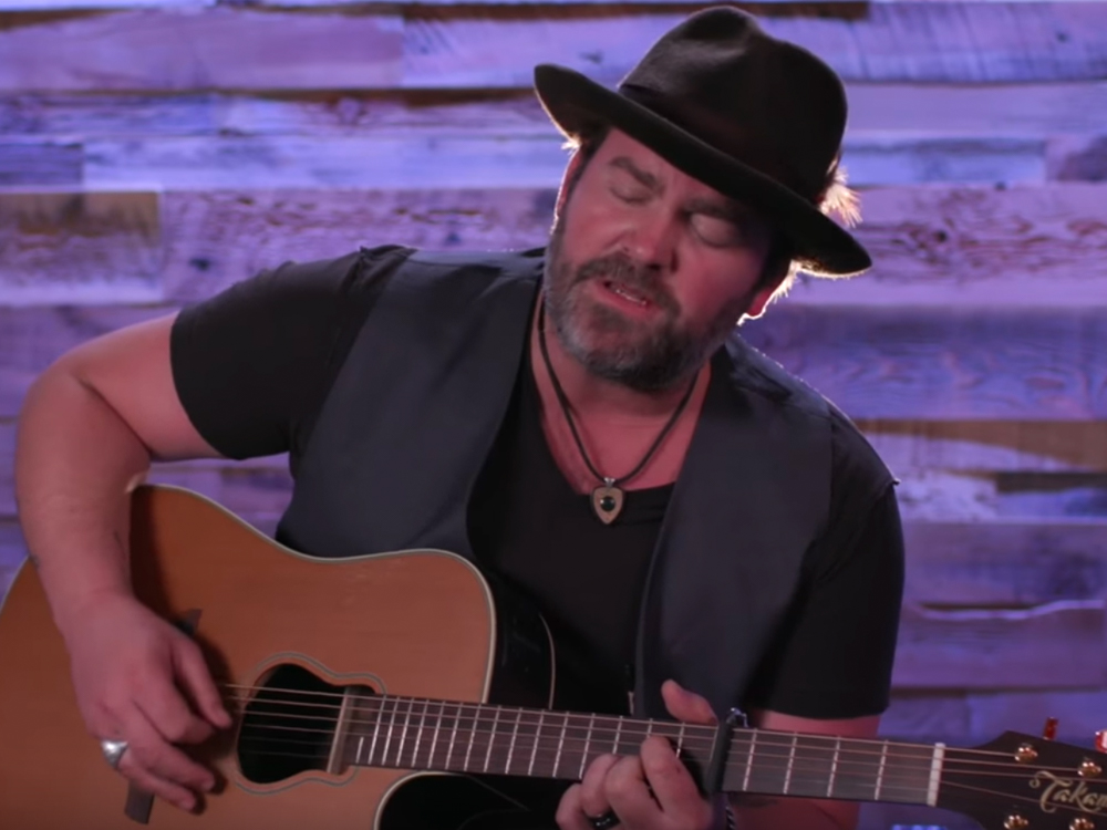 "Exclusive Premiere: In Honor of Father's Day, Watch Lee Brice's Backstage Performance of ""Boy"" at the Grand Ole Opry"