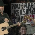 Watch Garth Brooks Spontaneously Give His Guitar to a Young Fan at One of His Concerts