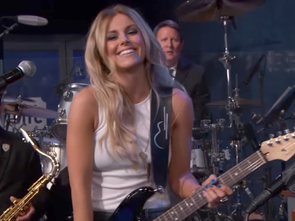 "Lindsay Ell Proves She's Worth the Wait With Performance of ""Waiting on You"" on ""Jimmy Kimmel"""