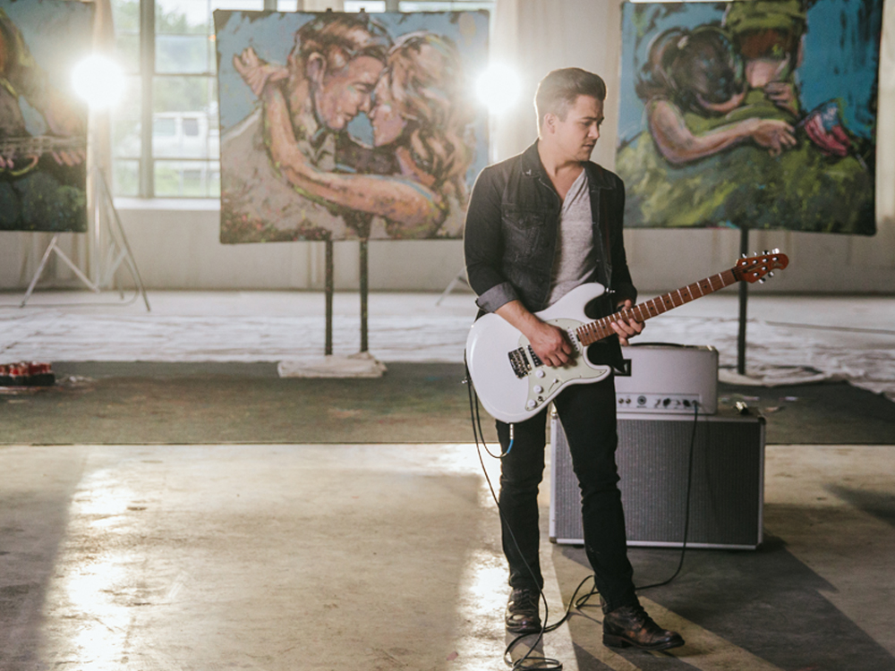 "Watch Hunter Hayes Use the Power of Music for Good in Charitable New ""Rescue"" Video"