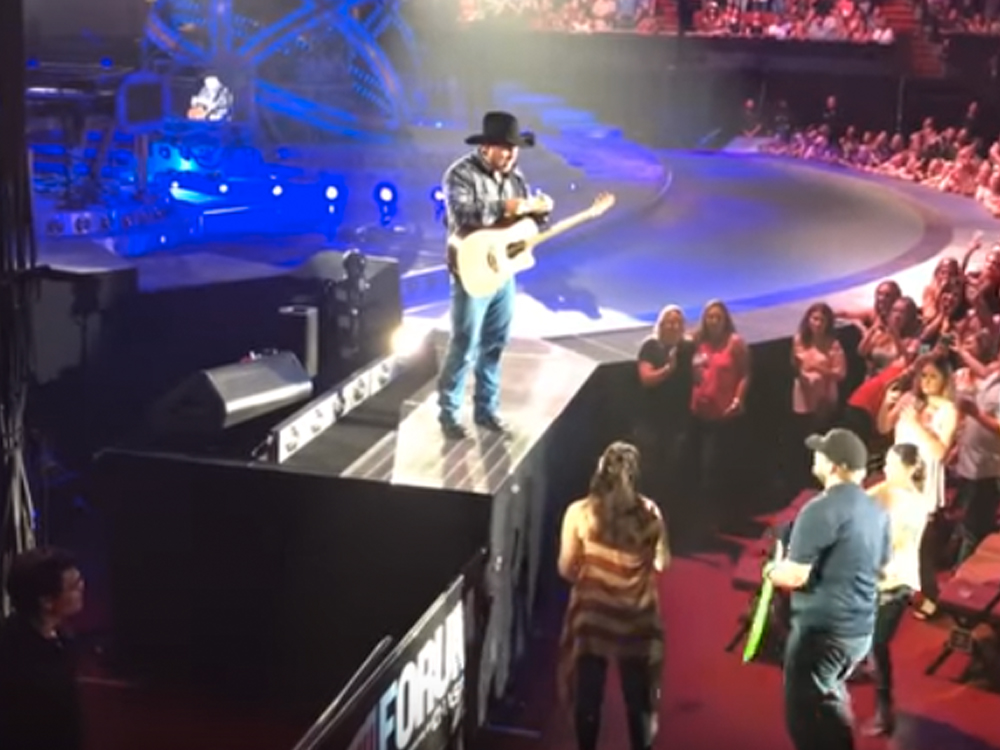 Garth Brooks Reveals Gender of Concertgoers' Baby & Offers to Pay for College Tuition