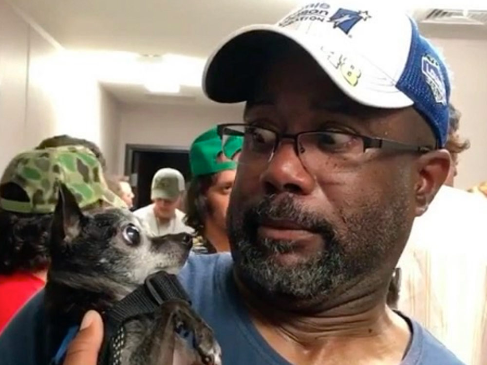 Social Media Roundup: Darius Rucker's Little Dog Staredown, Sam Hunt's Wild Boat Ride, Kip Moore's Dancing & More