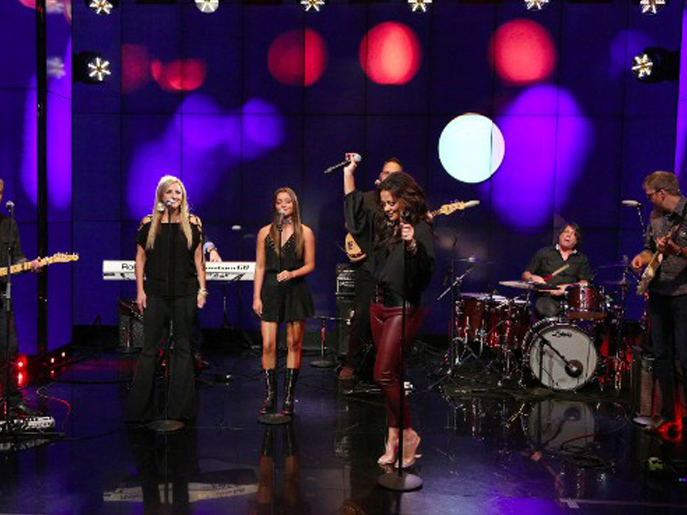 """Watch Sara Evans and Daughter Olivia Perform New Single, """"Marquee Sign,"""" on """"Live With Kelly & Ryan"""""""