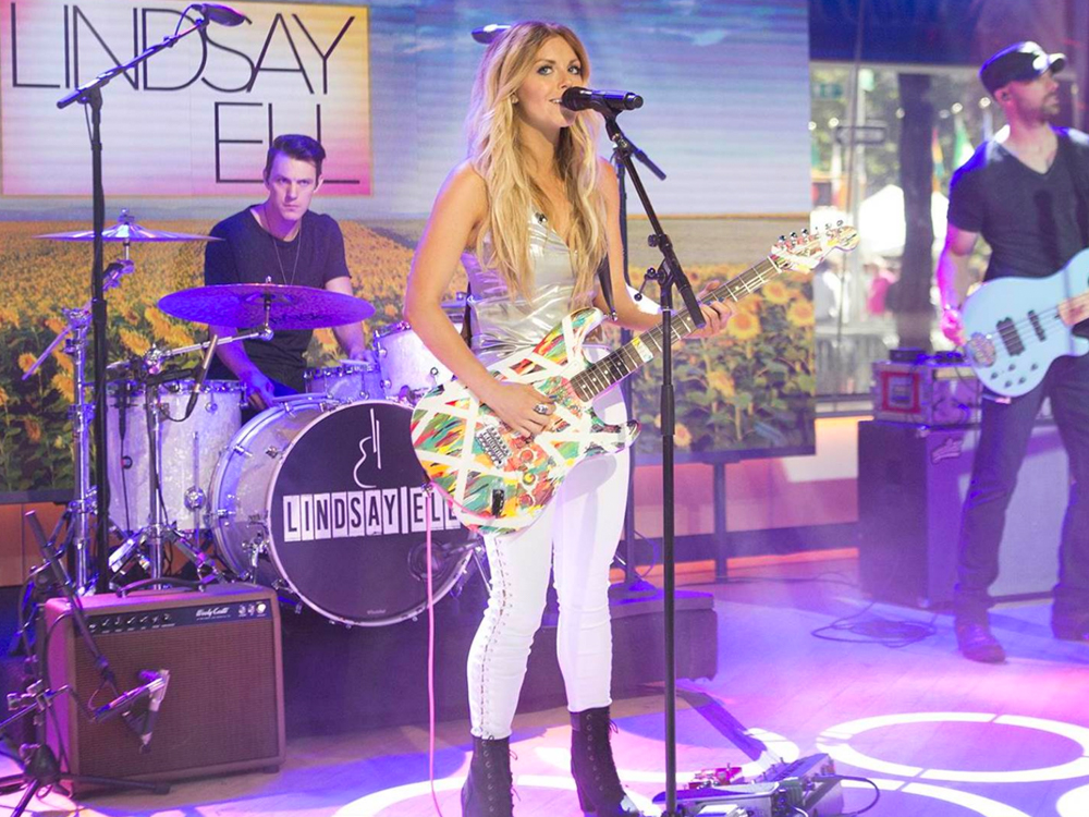 "Watch Lindsay Ell Perform Her Current Single, ""Waiting on You,"" on ""Today"""