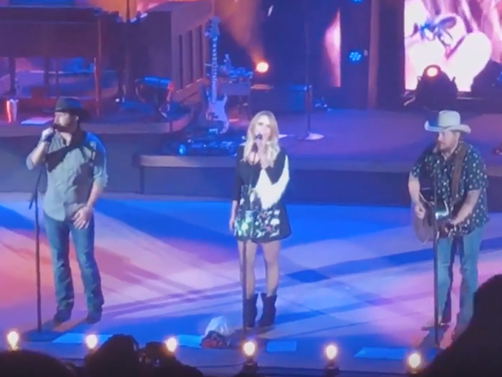 "Watch Miranda Lambert Team With Wade Bowen & Randy Rogers to Cover Merle Haggard's ""Sing Me Back Home"" at Red Rocks"
