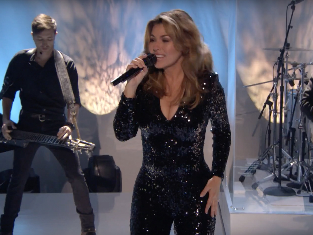 Shania Twain performs her hits on the AMAs