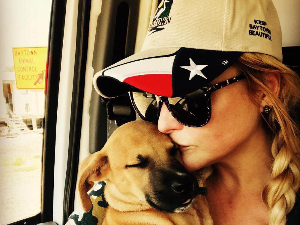 Miranda Lambert and Her MuttNation Team Rescue More Than 200 Pets in Hurricane Relief Effort
