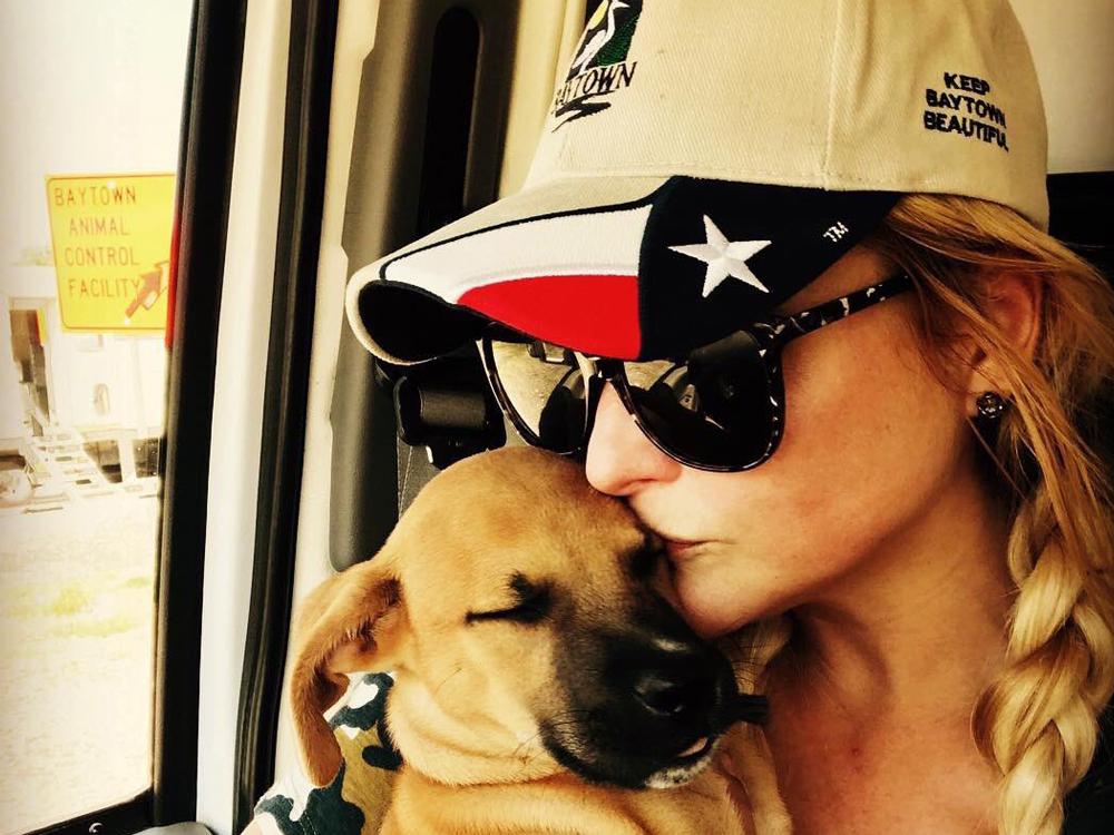 Miranda Lambert and Her MuttNation Team Rescue More Than 200 Pets in Hurricane Relief Effort