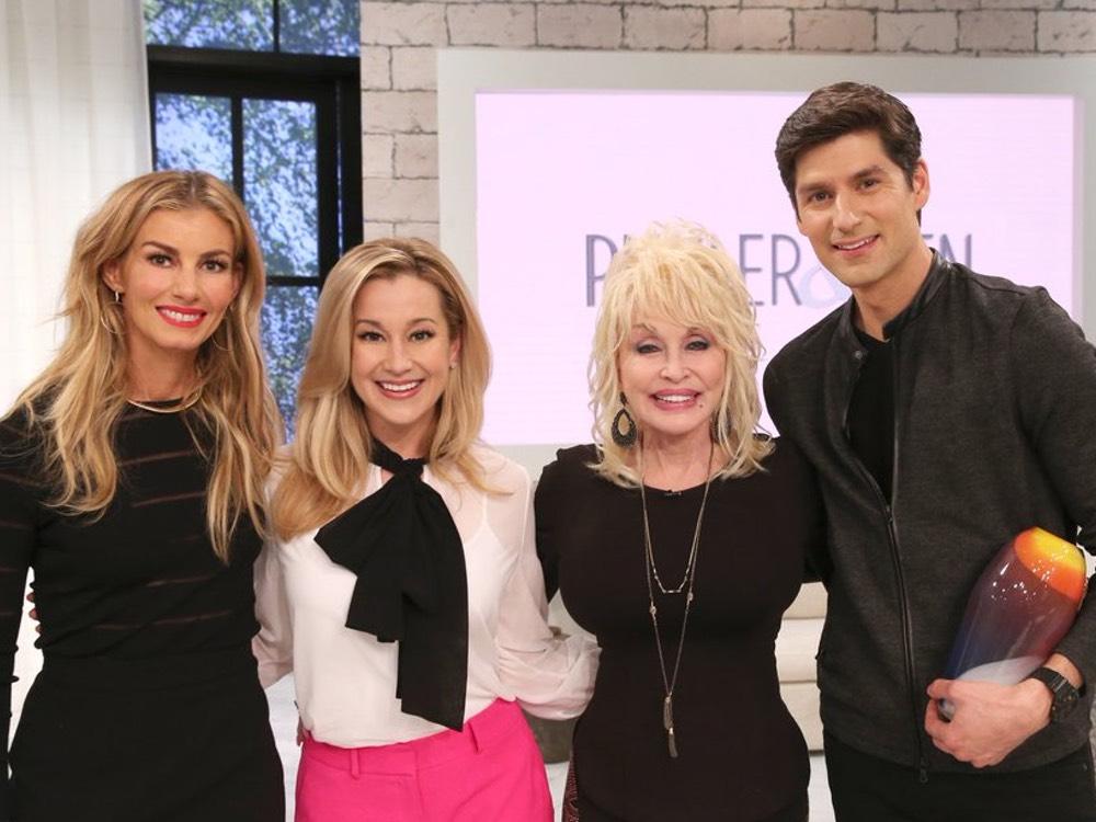 "Social Media Roundup: ""Pickler & Ben"" Premieres, Maren Morris' Biggest Fan, Shania Twain's New Jam & More"