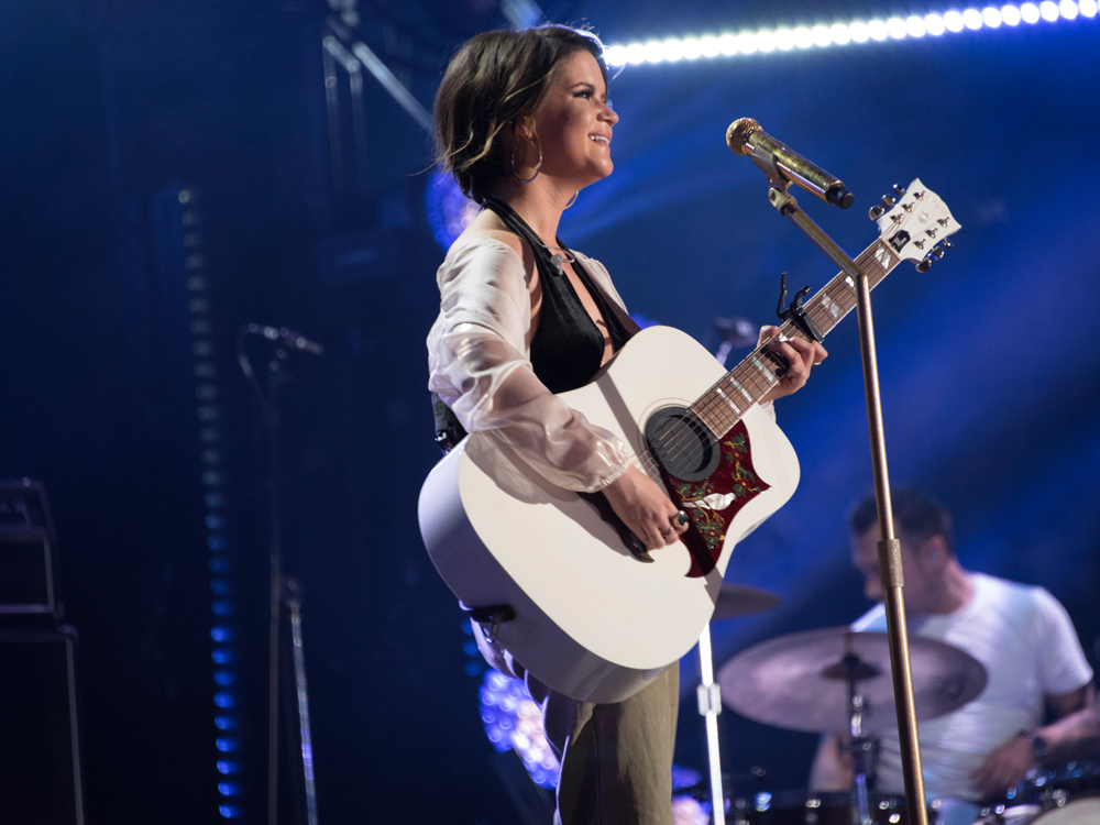 """Maren Morris Releases New Song, """"Dear Hate,"""" to Benefit Victims of Las Vegas Shooting [Listen]"""