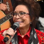 "Loretta Lynn Records New Cover of Patsy Cline's ""I Fall to Pieces"" [Listen]"