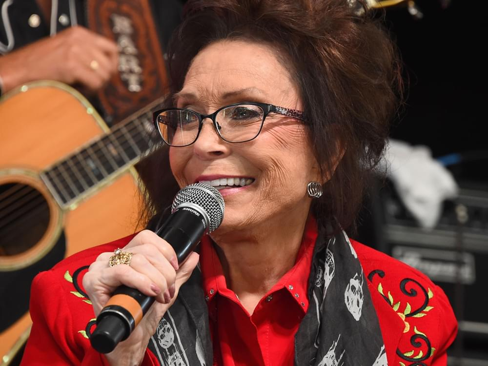 "Loretta Lynn Announces Sept. 28 Release Date of New Album, ""Wouldn't It Be Great"" [Listen to Title Track]"