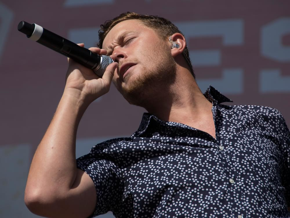 "Scotty McCreery Announces ""Seasons Change Tour"" With Jimmie Allen & Heather Morgan"