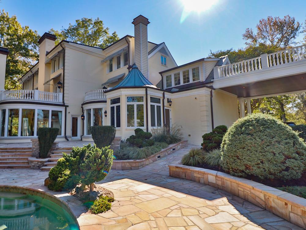 Local Businessman Buys Reba Mcentire S Former Nashville Area Home For 3 1 Million Photo Gallery Video Wiov Fm
