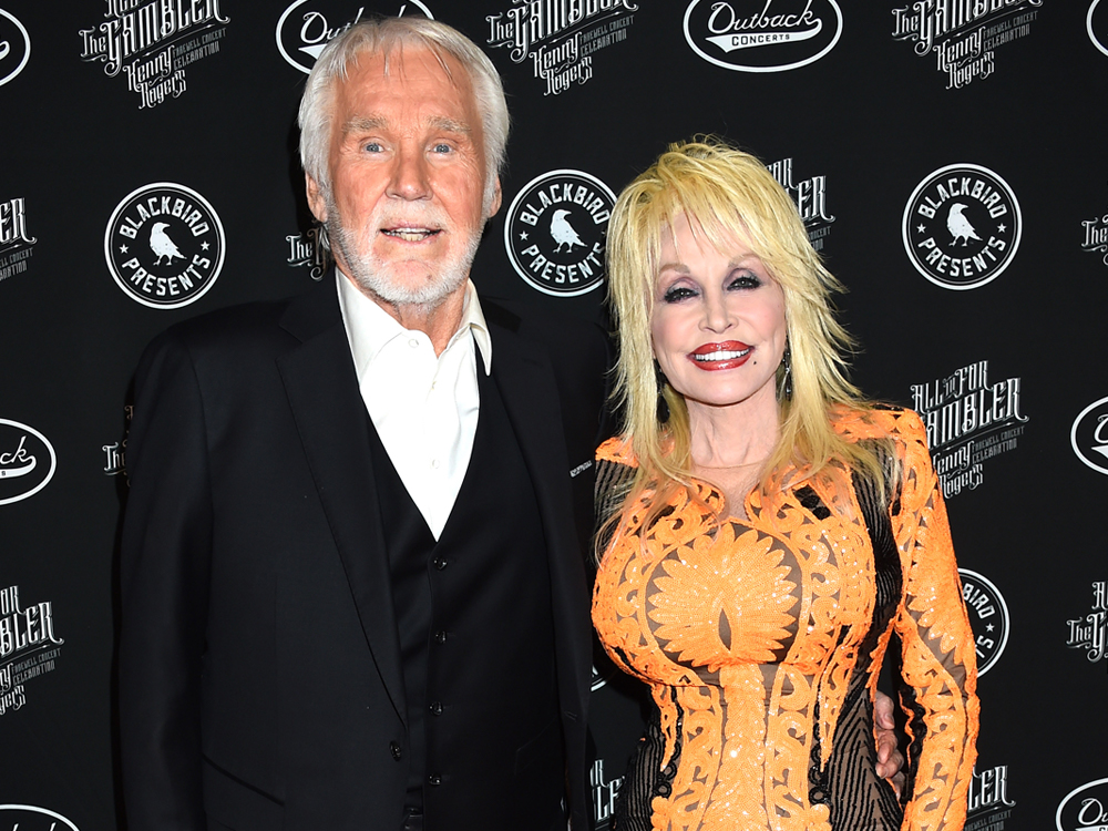 Photo Gallery: Kenny Rogers' Farewell Concert Was a Star-Studded Affair Featuring Dolly Parton, Lady Antebellum, Idina Menzel, Lionel Richie & More