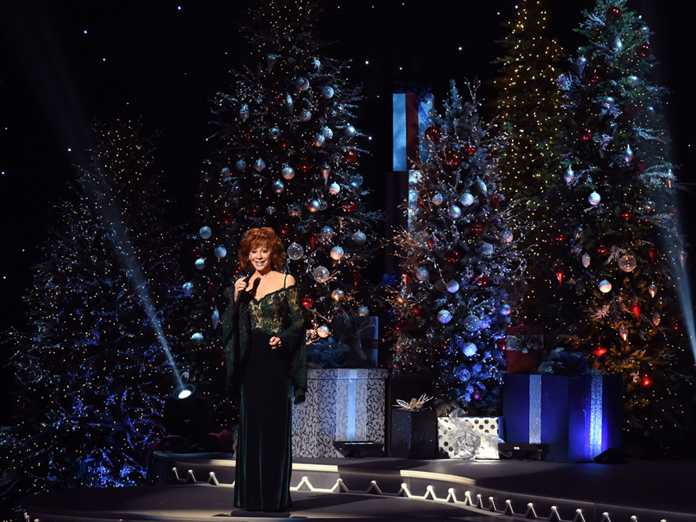 "Photo Gallery: ""CMA Country Christmas"" With Reba, Alan Jackson, Luke Bryan, Kelsea Ballerini, Chris Young & More"